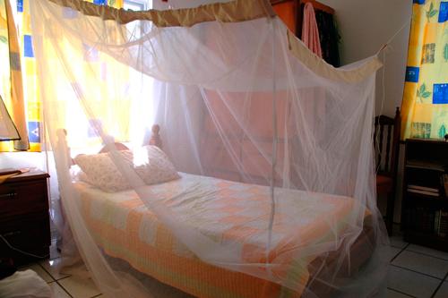 Комары - Защита спального места от комаров
